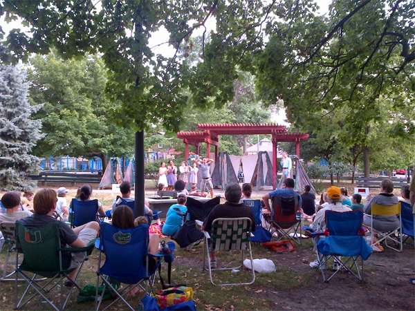 Live Theater in Ravenswood Manor Park